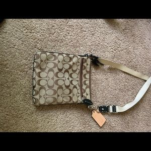 Coach Bags - Coach cross-body purse